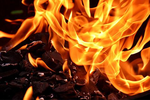 Wildnisreise nach Rumänien- Feuer machen mit dem (Full-Survival) Feuer-Bohrer